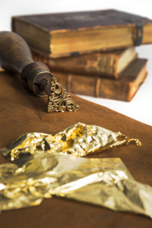 Bild zum Artikel: Knochenleim & Goldrausch - 250 Jahre Buchbinderhandwerk