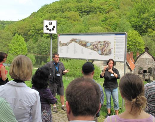 Bild zum Artikel: Führung mit Gebärdendolmetscherin im Freilichmuseum Hagen