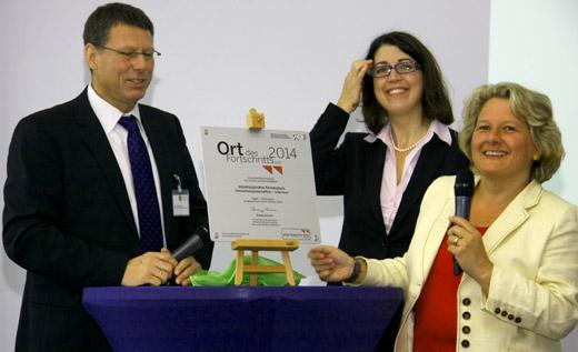 Bild zum Artikel: NRW-Wissenschaftsministerin zeichnet Studiengang der FernUniversität aus