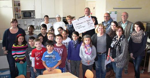 Bild zum Artikel: Delegation der Hagener Polizei besuchte die Hagener Kindertafel