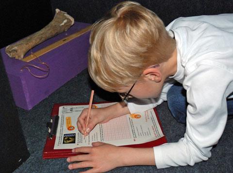 Bild zum Artikel: Kinder als Höhlenforscher: Mit Max Dachs in die Blätterhöhle