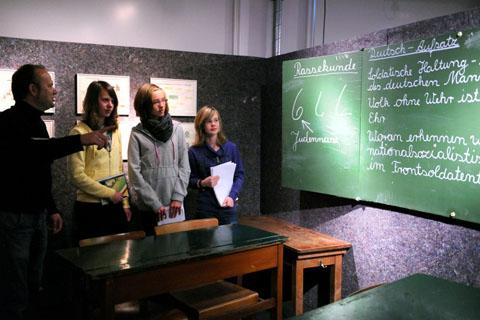 """Bild zum Artikel: Wanderausstellung für Schulen zum Thema """"Jugend im Nationalsozialismus"""""""
