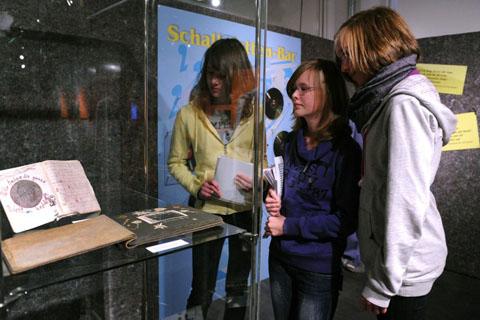 Eine Vitrine im Historischen Zentrum Hagen