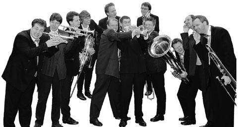 """Bild zum Artikel: """"Geräuschkulisse"""" mit Brass Connection"""