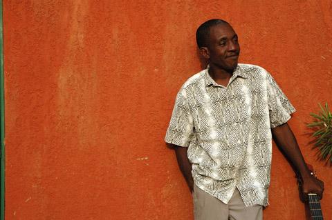 Bild zum Artikel: Victor Démé - Musikalische Geschichten aus Burkina Faso