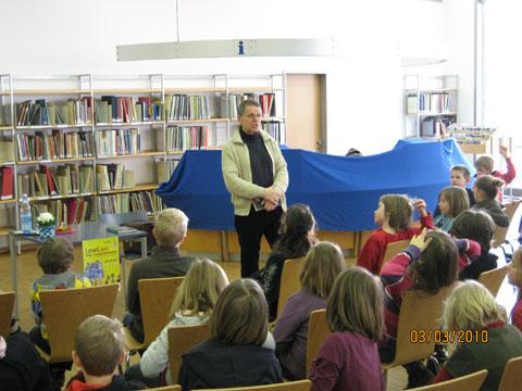 """Bild zum Artikel: """"Jimmi Nightwalker"""" in der Stadtbücherei"""