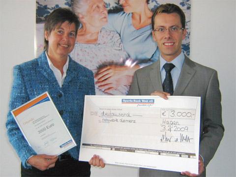 Bild zum Artikel: Sparda-Bank spendet 3.000 Euro für Demenzkranke