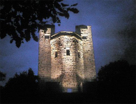 Bild zum Artikel: Neue Anstrahlung des Eugen-Richter-Turmes