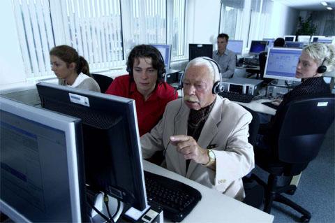 Bild zum Artikel: Intergenerationentag als Tag der Begegnung zwischen Jung und Alt