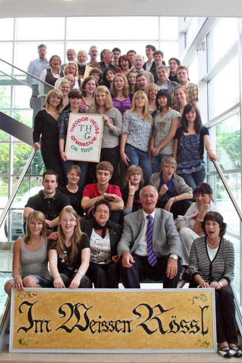 Bild zum Artikel: Bürgermeister Dr. Fischer empfing Musiktheater-AG des Theodor-Heuss-Gymnasiums