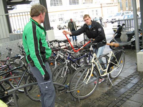 Bild zum Artikel: Reinigungsaktion am Bahnhofsvorplatz