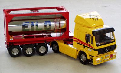 Bild zum Artikel: Miniatur-Lastwagen im Historischen Centrum