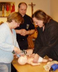 Bild zum Artikel: Pflegeeltern fit in Erster Hilfe