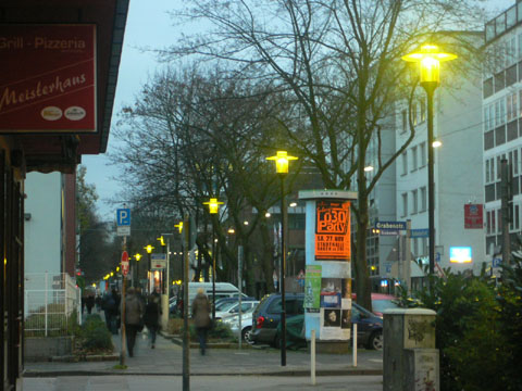Bild zum Artikel: Bahnhofstraße: Leuchten aus dem Jahre 1963 durch neue LED-Technik ersetzt