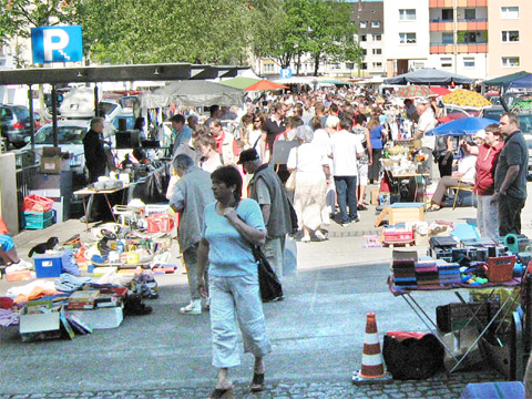 Bild zum Artikel: Trödelmarkt auf der Springe