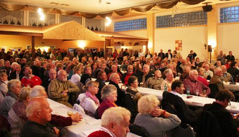 Bild zum Artikel: 300 Bürgerinnen und Bürger diskutierten in Haspe mit OB Dehm