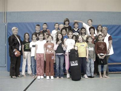 Bild zum Artikel: Box-Sack für das Projekt Betreuung 13+ Sport