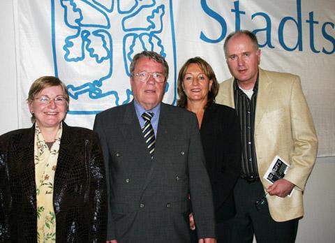 Karl Gies (2.v.l.), Ursula Flormann (2.v.r.), Christel Kipping (links) und Dietmar Helm.