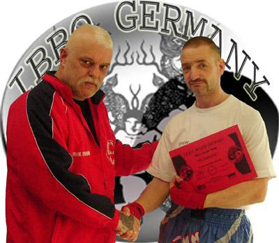 Jürgen Henke aus Hagen erhielt den 6. Dan im Kickboxen
