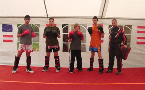 Bild zum Artikel: Kickbox-Demonstration beim 13. Europäischen Kinderfest