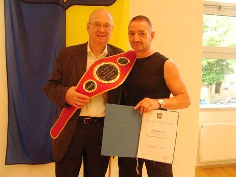 Bild zum Artikel: Jürgen Henke ist Hagens Kickboxsportler des Jahres 2008