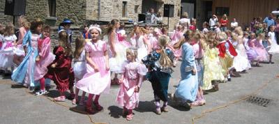 Bild zum Artikel: Großer Tag für kleine Prinzessinnen