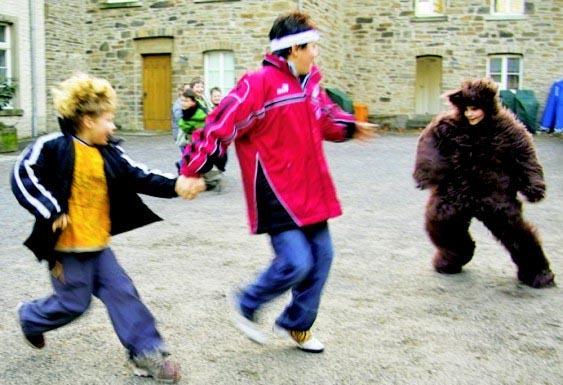 Steinzeit Spiel Bärenjagd